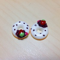 2 pcs Strawberry Donuts with White Frosting Cabochon Flatbacks 18 x 18 mm