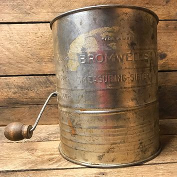 Vintage Bromwell's Flour Measuring Sifter with Brown Knob Handle - 5 Cups