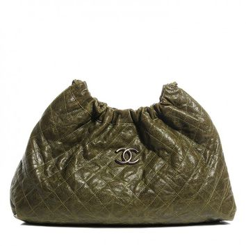 CHANEL Grained Calfskin Quilted Medium Elastic Tote Green