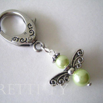 Small Light Green Angel Keychain Charm, Guardian Angel Charm, Small Angel Key Ring, Communion Favors, Unique Key Rings, Pearl Event Favor