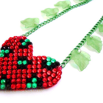 POISON IVY Leopard Heart with Winding Green Leaf Chain Necklace - Sparkly Red & Neon Green Cheetah Statement Jewellery - Batman Cosplay