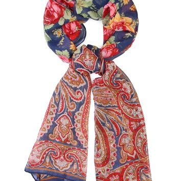 A Fashionable Rose Scarf