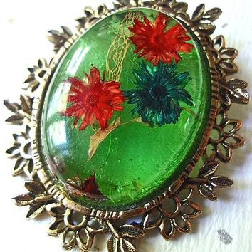 Flowers Lucite Domed Brooch-Pendant, Ornate Gold Trim, Floral Green Vintage
