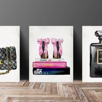 ONETOW Wall Art? Poster Print - COCO CHANEL, Shoes, Book, Handbag Vogue?- Famous?Fashion Quote - Black WaterColor- 633, 630, 632