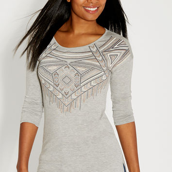 graphic tee in heathered fabric