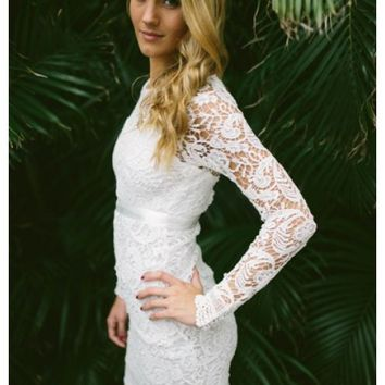 White lace dress with scalloped hem | Cecilia | escloset.com