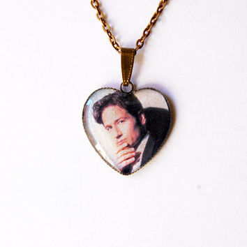 "FBI Special Agent Fox Mulder (David Duchovny) From Television Series ""The X-Files""- Handmade Heart Cameo Pendant Necklace"