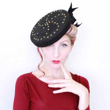 1940s Hat / VINTAGE / 40s Hat / Tilt / Saucer / Bow / Brass Flower Design / Unique