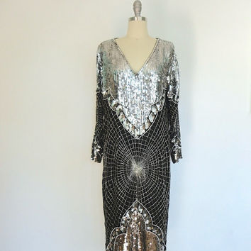 Vintage Sequin Dress / Beaded Sequined Silk / Silver Black Flapper / 1980s Trophy Party / Shift Dress / Size Large L XL