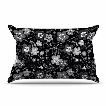 "Suzanne Carter ""Diasy Daisy"" Black Gray Pillow Sham"