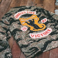 Tiger Camo Field Shirt: Smells like Victory / Panther
