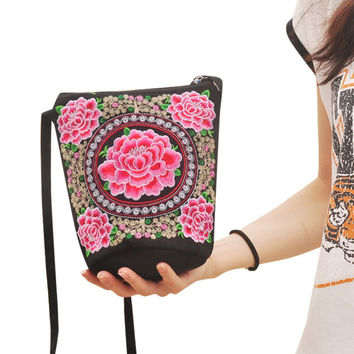 Lady Tribal Vintage Hobo Hmong Ethnic Embroidery Small Canvas Cross body Bag