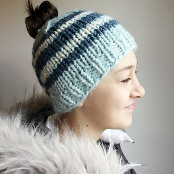 Girls Messy Bun Hat, Girls Messy Bun Beanie, Girls Bun Hole Hat, Winter Bun Hole Hat, Toboggan Bun, Chunky Knit Hat, Bun Beanie for Girl