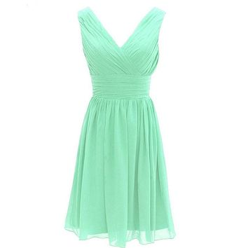 Robe De Mariage Cheap Mint Short Bridesmaid Dresses V-neck Sleeveless with Zip Back Chiffon Wedding Party Dresses Custom Made