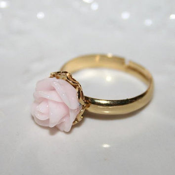 Petite powder Pink Ring Golden laced pink ring - Pale pink rose  Ring - Etsy Valentine Gift