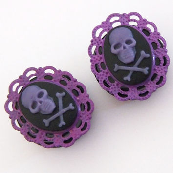 Purple Skull and crossbones Cameo 13/16 Inch 20mm by Glamsquared
