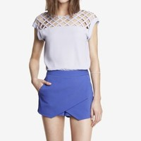 LATTICE YOKE TEE