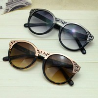 Cute Cat Eye Sunglasses with Cut Out Frame FGGH463