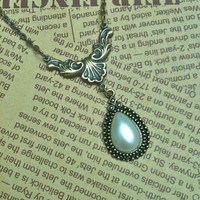 Victorian style pearl pendant necklace by Victorianstudio on Etsy