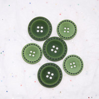 6 Green Stitched Rim Buttons - Crafting -  Jewelry -  Collect (K 24)