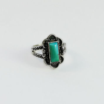 Mexican Turquoise Ring - Sterling Turquoise Ring Size 4 - Mexican Silver Ring - Dotted Band Ring - Vintage Mexican Ring