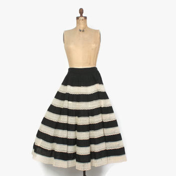 Vintage 50s Peekaboo LACE SKIRT / 1950s Black & Ivory Tiered Full Rockabilly Skirt M