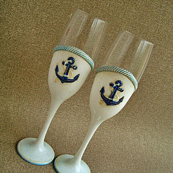 Sea wedding glasses Nautical wedding glasses Beach wedding Anchor White and blue flutes for sea wedding Toasting flutes with seashell favor