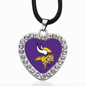 Wimpy kid Minnesota Vikings Pendant Necklace Best Gift for /Women/Girl/Men/Mom Clear Crystal Link Chain Necklace Jewelry