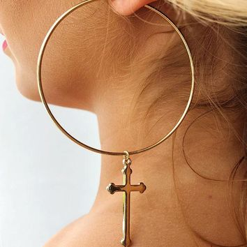 Cross My Heart Earrings: Gold