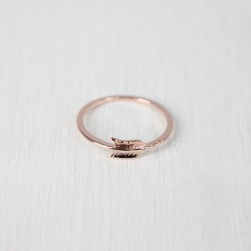 Dainty Arrow Ring