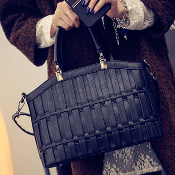 Women fashion handbags on sale = 4473212228