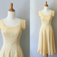 1950s lace dress / 50s wedding dress / Elegance by CoontailVintage