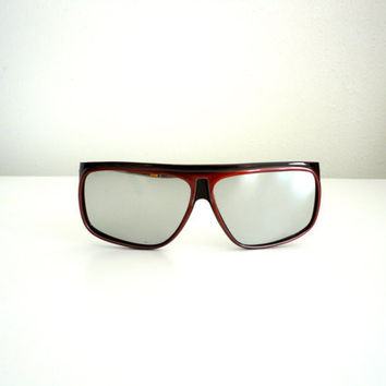 Vintage mens sunglasses 1970s or early 1980s  totally cool retro made in Italy