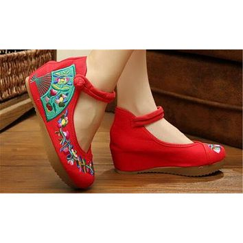 Chinese Embroidered Shoes Women Ballerina  Cotton Elevator shoes embroidered fan