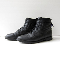 vintage black leather ankle boots. Sherpa lined winter boots. Lace up granny boots.