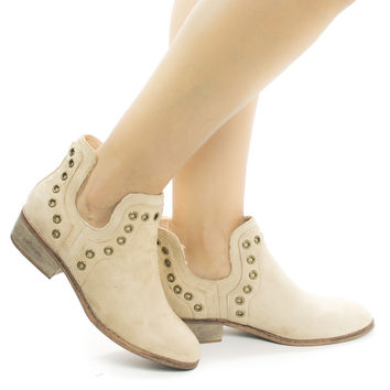 Mojave03 Natural By Wild Diva, Women Western Pull On Ankle Booties w Side Slit & Metal Detail