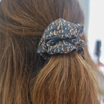 Let Loose Scrunchie - Slate