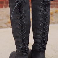 Dark Vixen Boot
