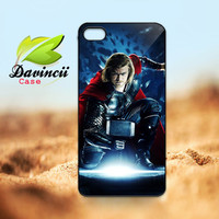 iPhone 4 4s / 5 Case - THOR The Avangers Superhero  -  Hard Case iP4 ( Black / White Color Case )