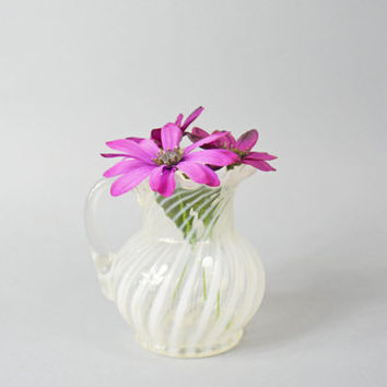 Hand Blown Glass Vase, Vintage Glass Vase, Hand Blown Pitcher, Handblown Swirl Glass Vase, Ruffled Edge Vase, Small Flower, Glass Art Vase