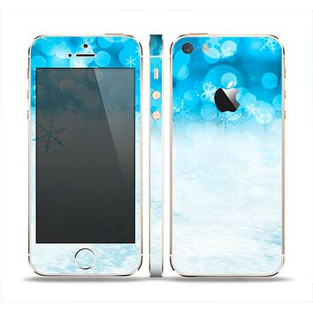 The Winter Blue Abstract Unfocused Skin Set for the Apple iPhone 5s