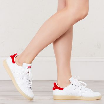 Adidas Stan Smiths in White Red