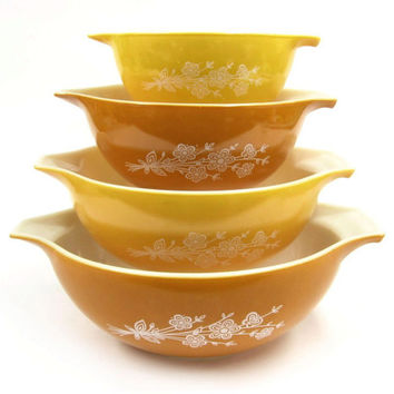 Pyrex Butterfly Gold Batter Bowls / Nesting Bowls / Mixing Bowls / Corning Wheat Flower