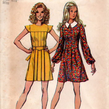 Simplicity 9861 Sewing Pattern Retro 70s Mini Dress Front Yoke Pleated Bodice Boho Hippie Style Party Dress Cap Sleeve Bust 32