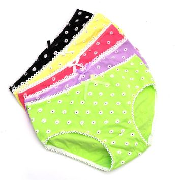 1PcsLadies Panties Underwear For Women Lovely Seamless Lingerie Briefs Small Daisy Pattern Panties Knickers Lady Underpants Pant
