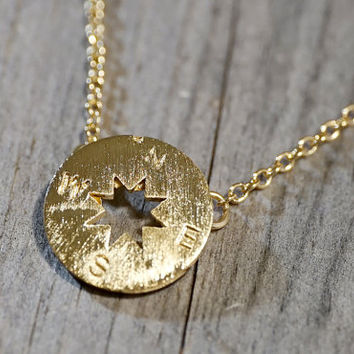 Gold /Silver plated compass pendant with chain, necklace (NE00060)
