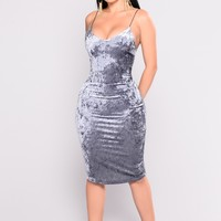 Mel Velvet Dress - Dusty Blue