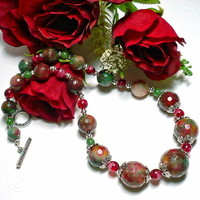 Christmas Candy Jade and Olive Quartz 18 inch Graduated Necklace