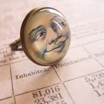 Man In the Moon Ring - Cabochon Ring