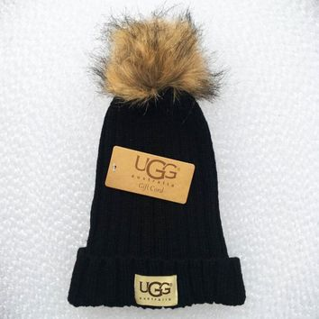 UGG Fashion Men And Women Knitted Cap Black